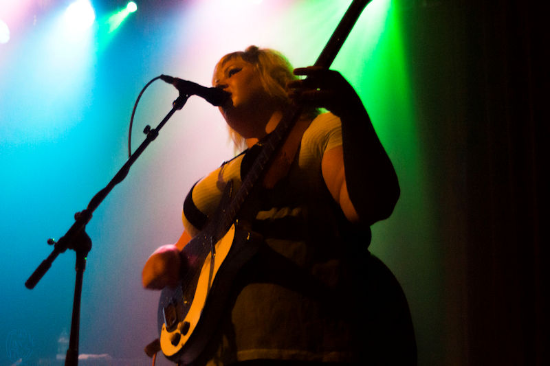 Powell-Shannonandtheclams-9977