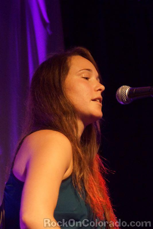 "Rachel Ellis singing ""Babydoll"""