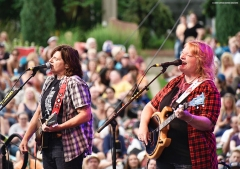 INDIGO GIRLS AT THE DENVER BOTANIC GARDENS
